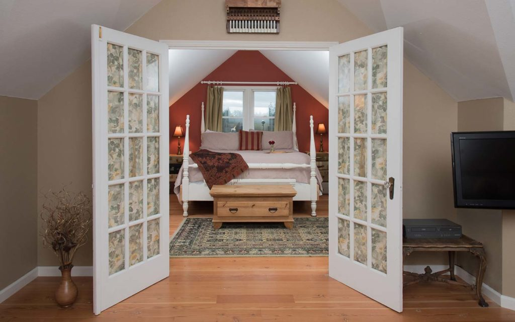 this beautiful guest room makes a great place to relax after a San Juan Islands kayak tour